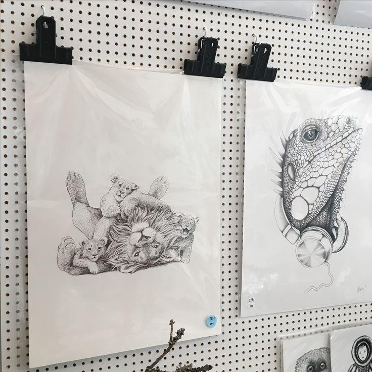 Pynt Shop bruger en enkel og moderne løsning til at præsentere mine tegninger. Super fint og minimalistisk til den detaljerige tegning.