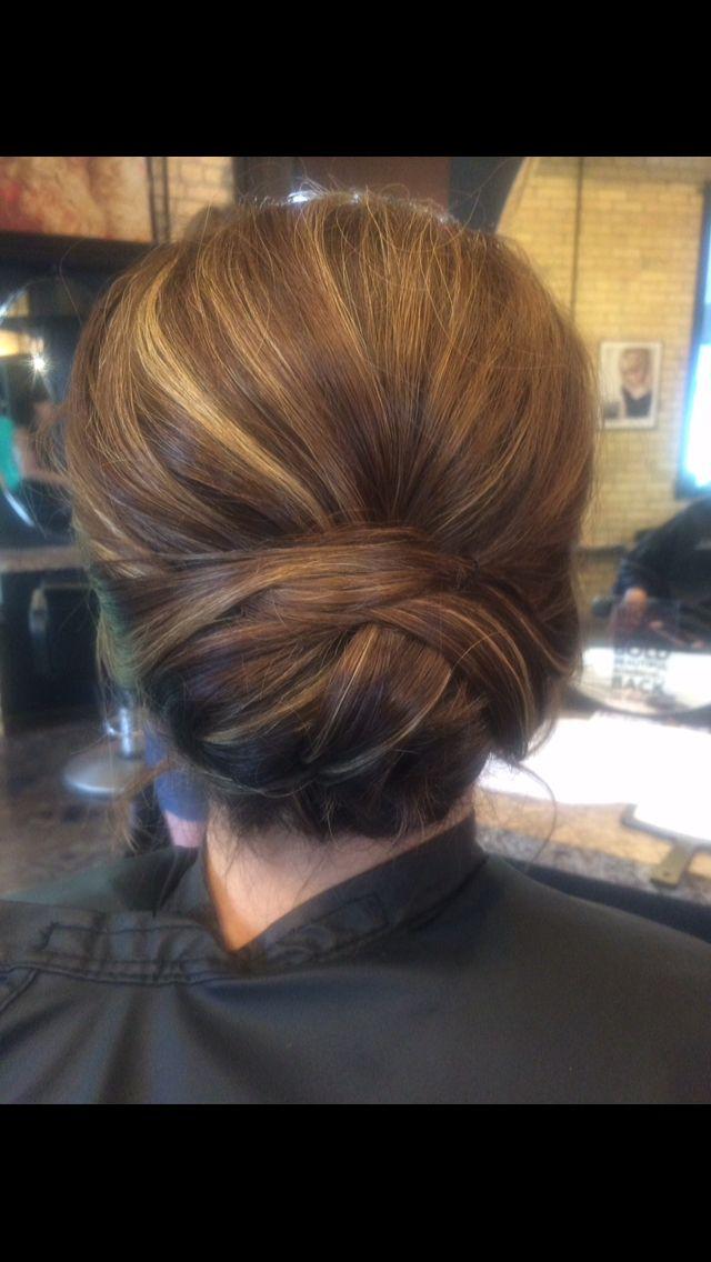 Simple, elegant wedding updo! #simpleupdo #elegantupdo #hairbymariad Read more at : http://theweddingly.com/