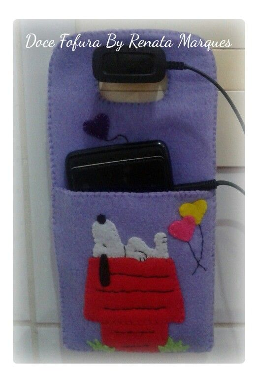 Suporte de celular e carregador de feltro - Doce Fofura By Renata Marques