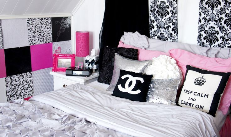 Make Decorative Pillows Bedroom : Love everything in this room Cool bedrooms Pinterest Love, Chanel and Pillows