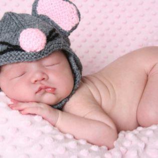 Baby Growth Spurts. Breast Feeding and Baby Sleep