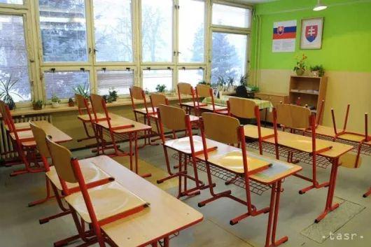 Chrípka prerástla do celoslovenskej epidémie, zatvorili 109 škôl