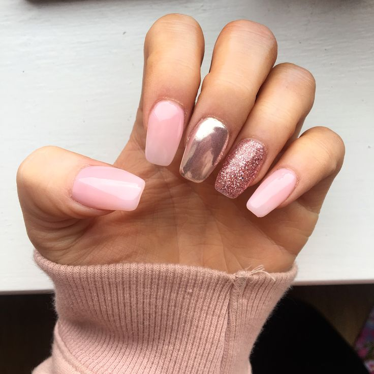Pink, glitter and chrome nails