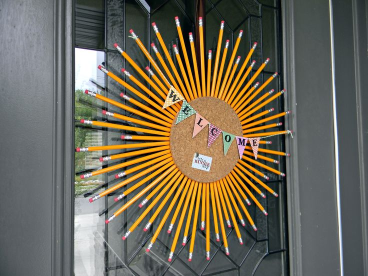 This perky, quirky pencil/cork wreath would be a great front door wreath or to welcome students in a classroom!