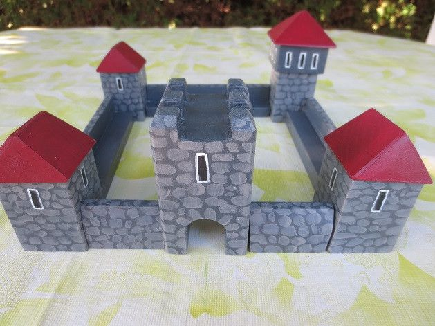 Şövalyeleri - ahşap kale, şövalye kalesi, Schloss 23x23 cm, kırmızı kayın - DaWanda de sibola bir tasarımcı parçası