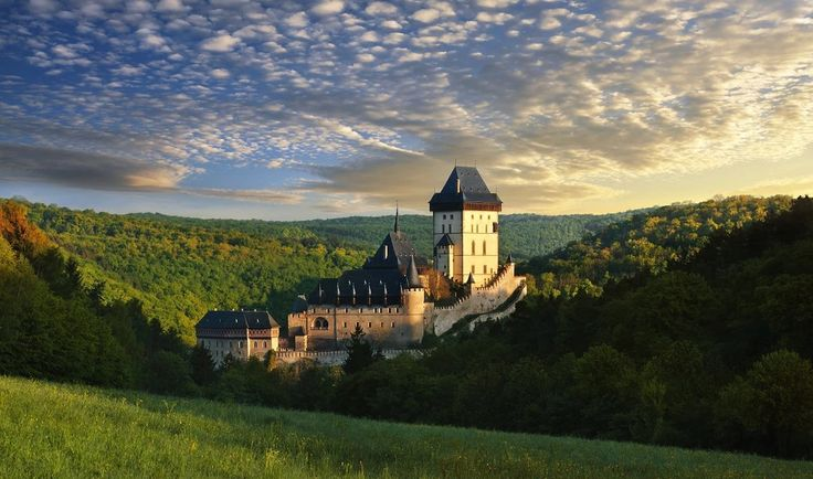 Hrad Karlštejn, Česká republika (Karlštejn... - Castles from all over the world | via Tumblr on We Heart It