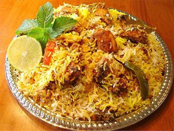 #BombayCurry is a #restaurant #gastronomique #indien #Paris.We are restaurant indien #pakistanais Paris provide #halal foods.