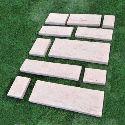 Caminos de Piedra – Piedras realizadas en cemento gris o con terminación en piedra París, con refuerzos en su interior. Gran variedad de tamaños para combinarlas según gusto o necesidad. Ideales para hacer caminos y decorar jardines.