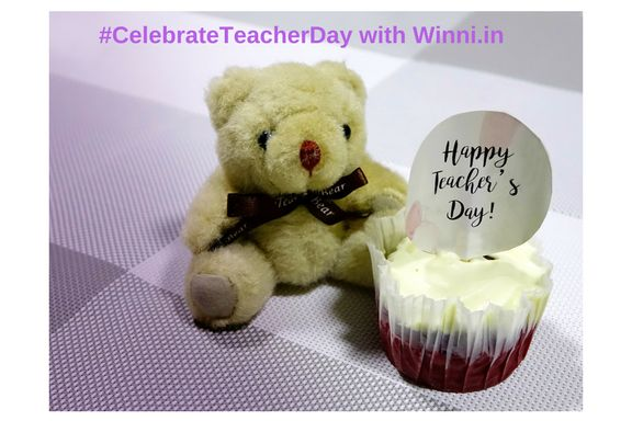 Send cakes and flowers to your directly with Winni, Cake Party On Teacher's Day #CelebrateTeachersDay #TeachersDay