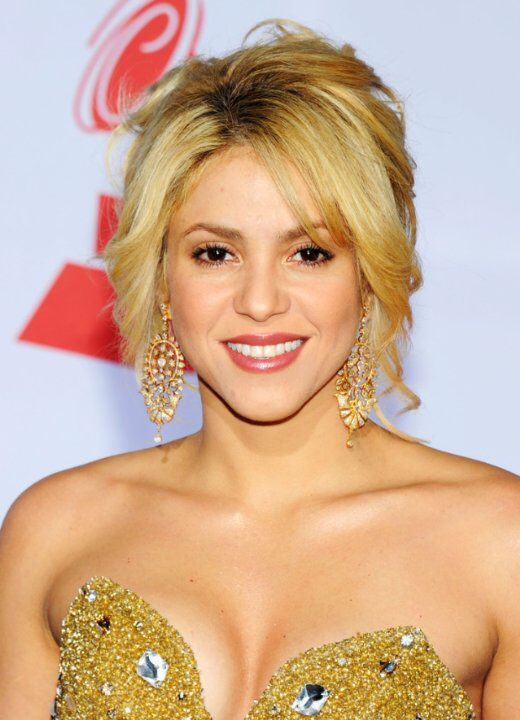 Soundtrack | Actress | Writer Grammy-winning Latina pop singer Shakira was born in Barranquilla, Colombia, on February 2, 1977. Her father is a Lebanese American immigrant and her mother a native of Colombia of Italian and Spanish descent. Shakira began her musical career at age 12 and quickly captured fans throughout Latin America. She won the 2001 Best Latin pop Grammy for ...  Born: Shakira Isabel Mebarak Ripoll  February 2, 1977 in Barranquilla, Colombia