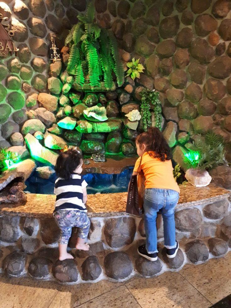 Gramado e Canela com crianças pequenas - Onde ir?  Fábrica de Chocholate Florybal  #viagemcomcrianças #gramadoecanela #serragaucha
