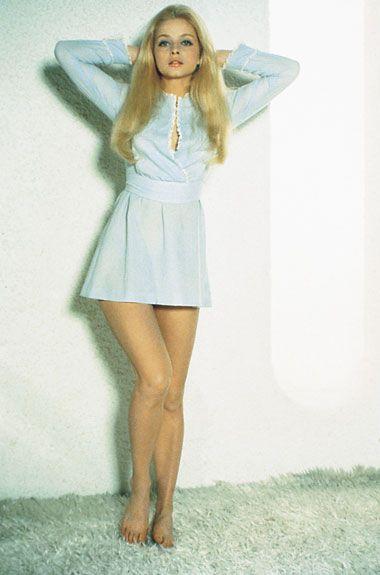 cultqueens: Ewa Aulin in such a cute Li'l dress