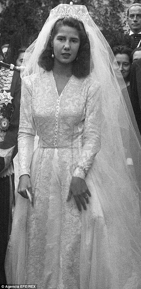 The Duchess of Alba pictured at her marriage to Don Pedro Luis Martines de Irujo in 1947