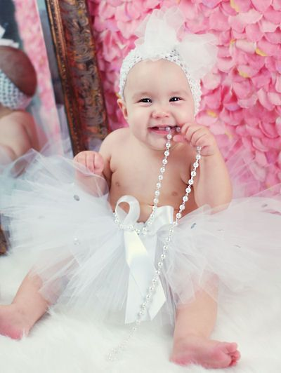 baby tutu & headband - adorable! now I just need someone to have a girl to dress in it...