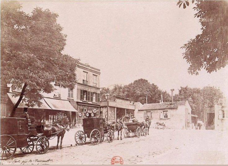 L'avenue du Cimetière-du-Nord (aujourd'hui avenue Rachel) dans le Vieux Montmartre, en 1887. On remarque que le pont de la rue Caulaincourt n'a pas encore été construit. Une photo de Henri Daudet  (Paris 18ème)