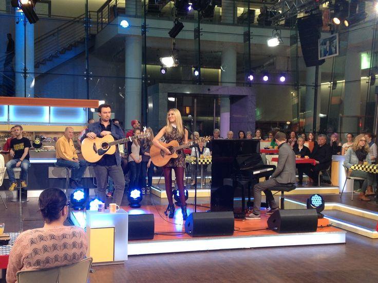 "Leddra Chapman live mit ""Summer Song"" im ZDF Morgenmagazin."