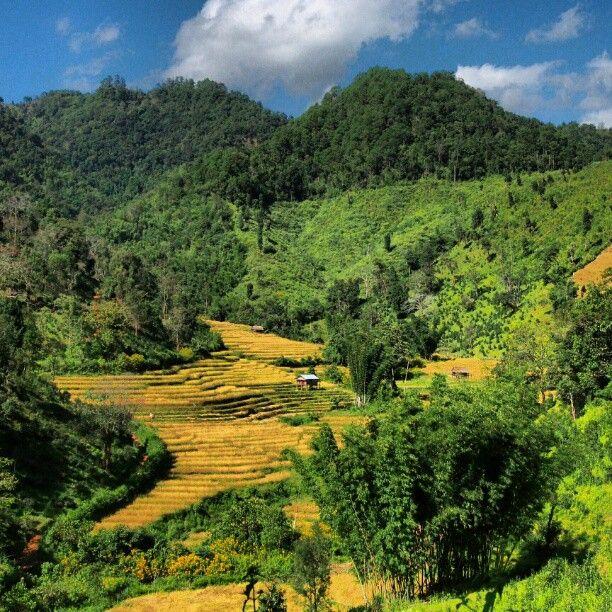 Beautiful mountain views in Myanmar. Photo courtesy of amanchai on Instagram.