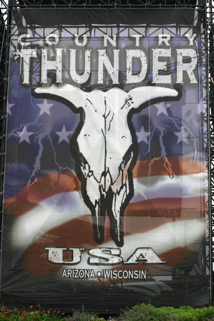 Country Thunder!wooooooo