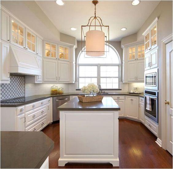layout, upper cabinet lighting, window, pendant light