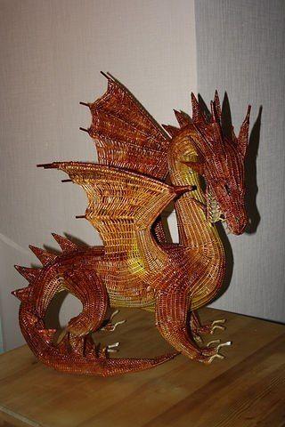 Дракон, плетение из газетных трубочек
