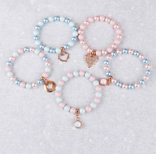 Learn how to make the Pastel Perfect Bracelet Collection using beautiful Swarovski pearls in this year's Pantone colours; Rose Quartz and Serenity! <3