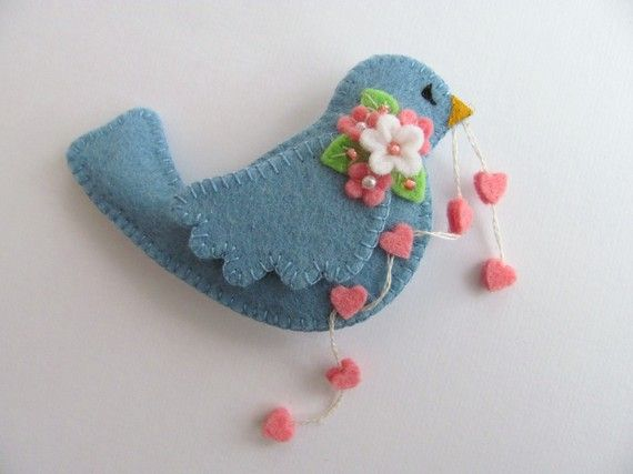 Reminds me of the little blue bird delivering valentine's in a Tasha Tudor drawing - sweet!!
