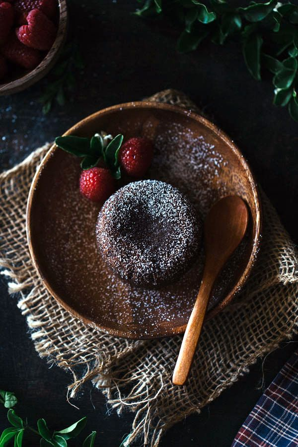 Chocolate Fondant Cake - A delicious and gorgeous looking chocolate cake that you can serve individually.