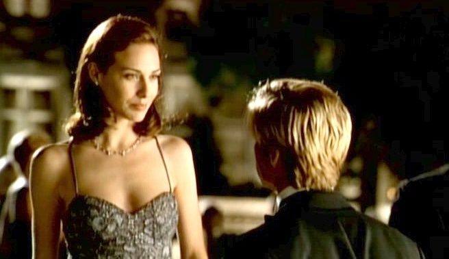 Claire Forlani and Brad Pitt in Meet Joe Black