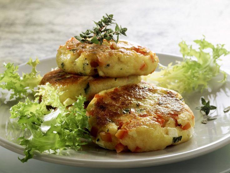 Картофельные котлеты — это так же вкусно, как драники, или жареный картофель, только мягче и нежнее. А ещё это просто и очень доступно. Блюдо особенно вкусно, когда, как говорится: «с пылу с жару». Считаю, что самыми подходящими соусами для картофельных котлет, являются грибные соусы. Например, соус из белых грибов, или сливочно-грибной соус на основе шампиньонов. […]
