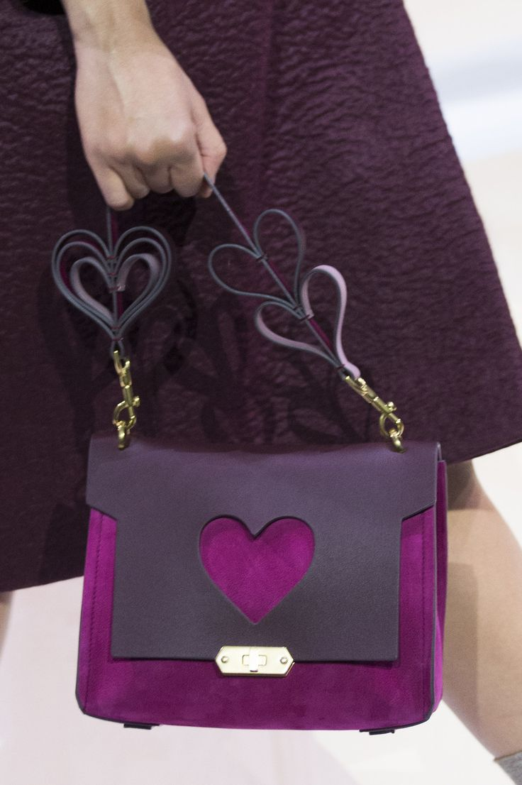 Anya Hindmarch at London Fall 2017 (Details)