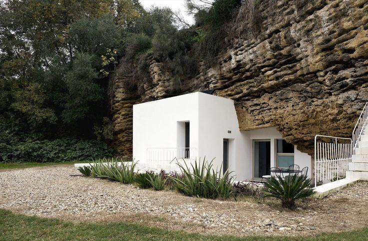 Gallery of House Cave / UMMO Estudio - 5