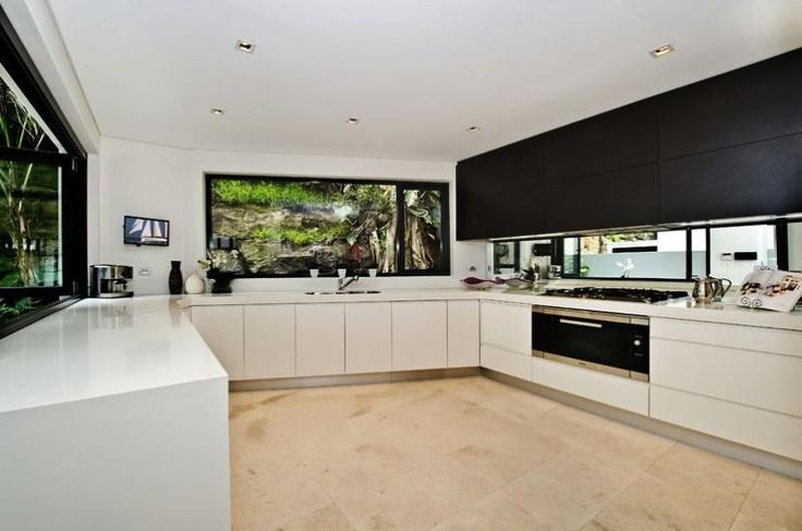 modern kitchen. Decorator: Jeni Jewell Designs