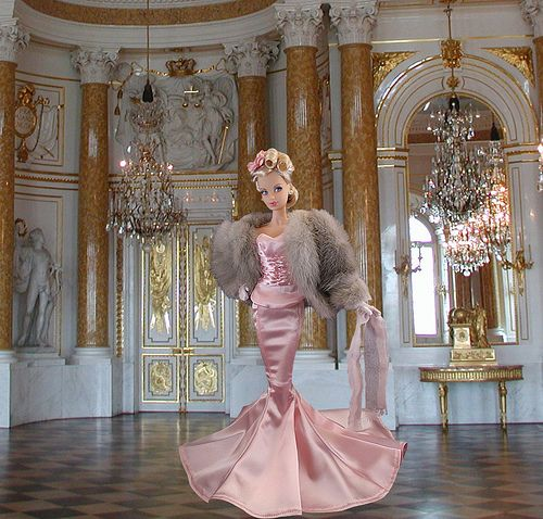 pink lady in palace  by think_pink1265, via Flickr