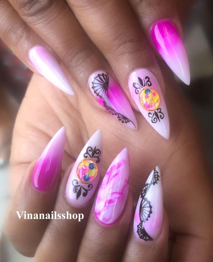 Vina's Nails Instagram Profile Picdeer