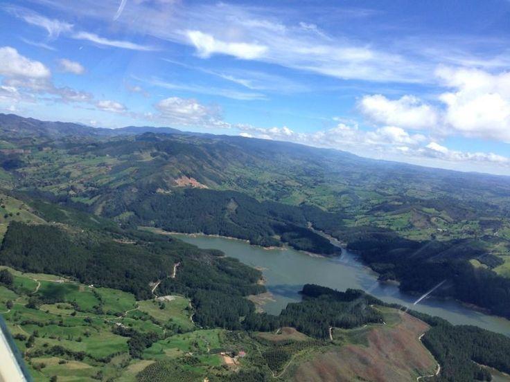 Desde el aire Helifly Colombia. Represa Río Grande-Yarumal Antioquia.