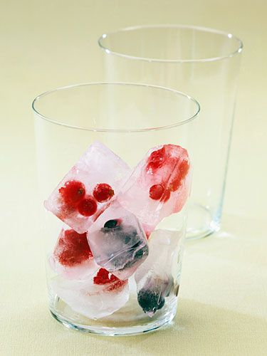 Healthy Party Food - Good Summer Party Foods - Redbook (freezing fruit in ice to add to your drink of choice...,love this)