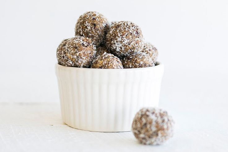 Protein, energy, naturally sweet & spicy - these energy bites are quick and easy to make, and the raw ingredients ensure your body will enjoy all the nutrient benefits.