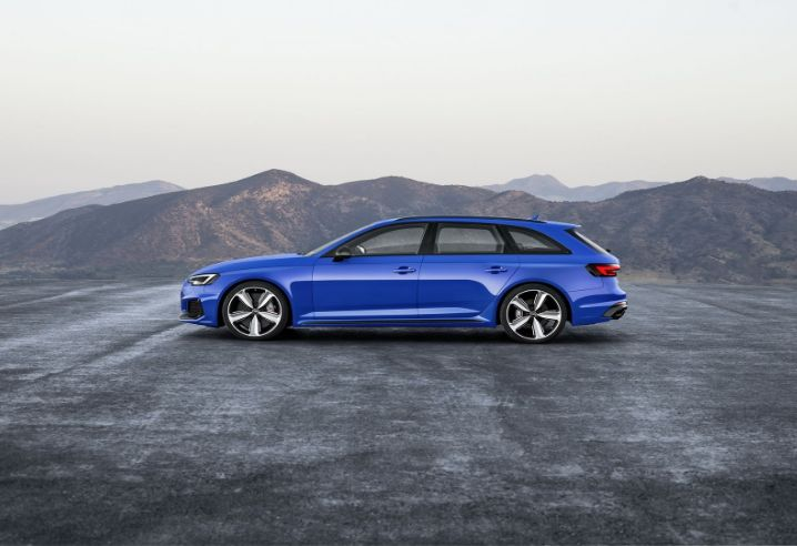 The 2018 Audi Rs4offers outstanding style and technology both inside and out. See interior & exterior photos. 2018 Audi Rs4New features complemented by a lower starting price and streamlined packages.The mid-size 2018 Audi Rs4offers a complete lineup with a wide variety of finishes and features, two conventional engines.