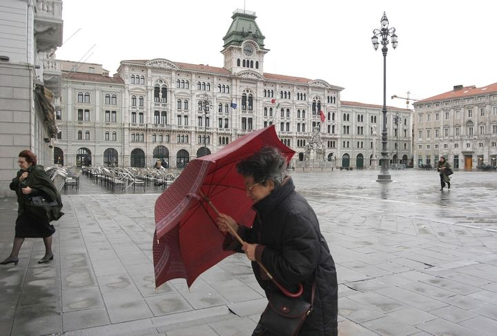"""Trieste buffeted by the """"bora"""" wind"""