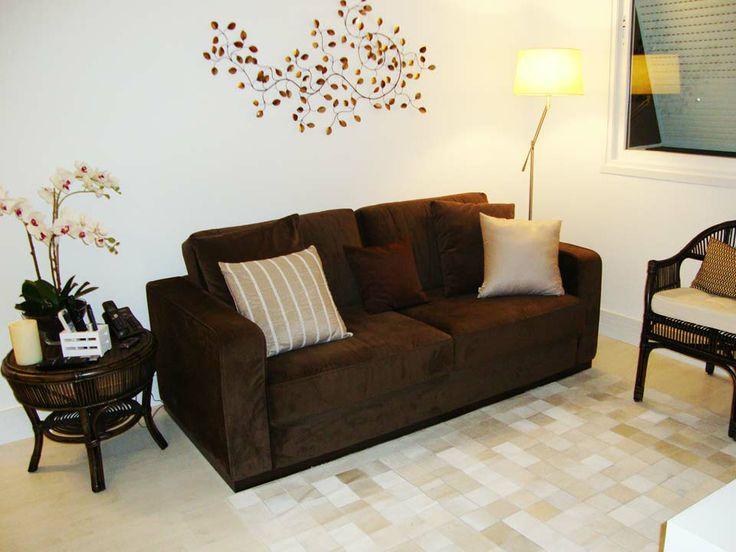 Sofa Marrom Na Sala De Estar