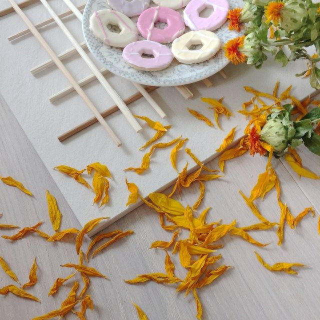 Upcycle chopsticks into a Scandinavian style trivet :http://hapinesswherever.com/2016/07/upcycle-chopsticks-into-a-scandinavian-style-trivet/