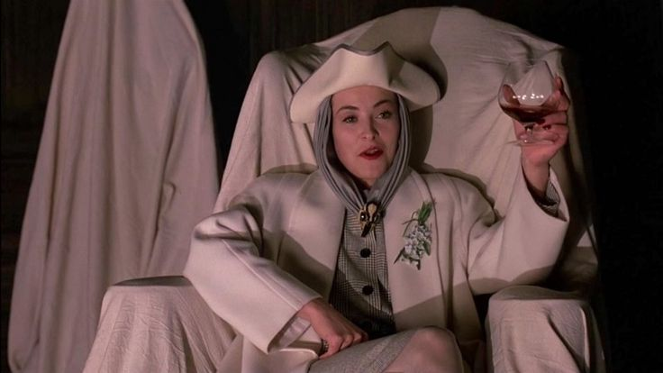 Amanda Donohoe, The Lair of the White Worm (1988)