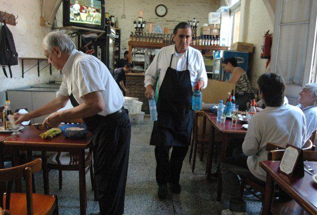15 restaurantes para comer por $50 en Buenos Aires. http://www.conexionbrando.com/1379365