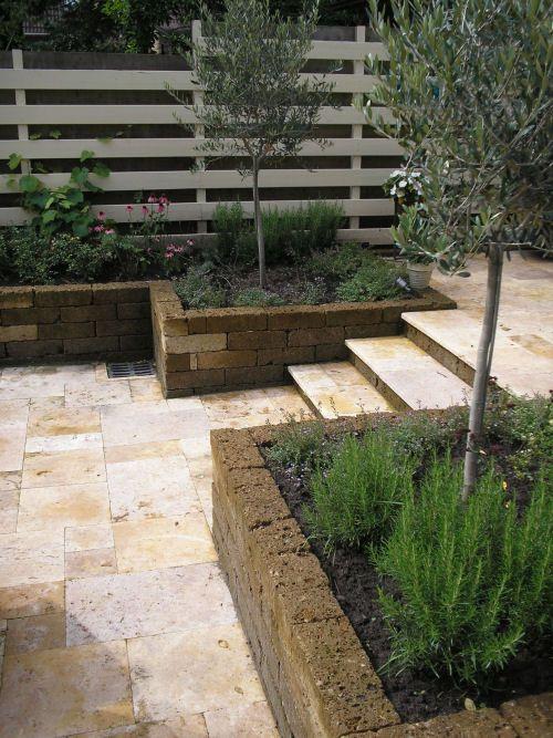 25 beste idee n over mediterrane tuin op pinterest spaanse tuin toscaanse tuin en droge tuin - Buitentuin inrichting ...