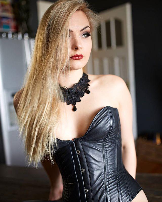 Instagram media by celeste_dumont - – CELESTE DUMONT Berührbare Domina & Bizarrlady  www.celeste-dumont.com www.bdsm-domina.com  #celestedumont #lady #herrin #mistress #femdom #domina #bizarrlady #bizarrärztin #dominastudio #dungeon #klinik #klinikerotik #sm #bdsm #sadomaso #fetisch #fetish #leder #leather #latex #gummi #bizarrklinik #rubber #heavyrubber #deutschland #germany #nrw #ruhrgebiet #essen #institutmalbert
