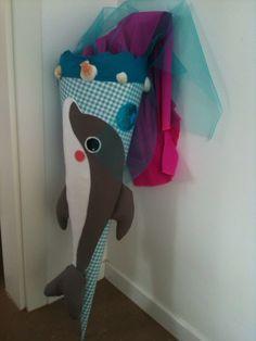 Delfin-Meer-Schultüte gemeinsam mit Eltern für die Vorschulkindern hergestellt.