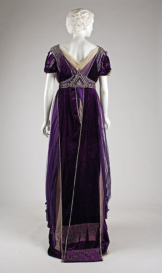 1910 ___ Evening Dress ___ silk, cotton, metallic threads, glass ___ House of Worth ___ France ___ at The Metropolitan Museum of Art ___ photo 5