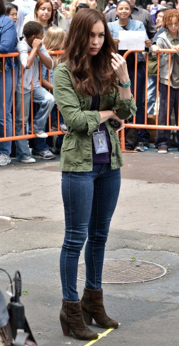 megan fox ag jeans 21 Megan Fox in AG Adriano Goldschmied The Legging Jeans
