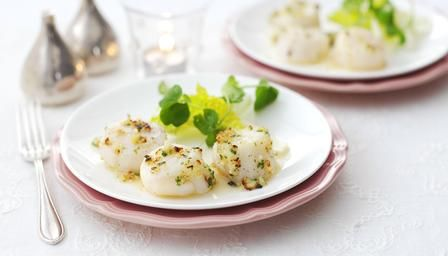 Hazelnut butter grilled scallops with salad