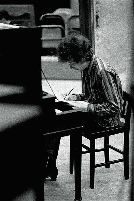 Bob Dylan writing © Jerry Schatzberg